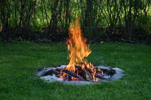 Usuwanie sadzy po pożarze – jakie działania należy wykonać?