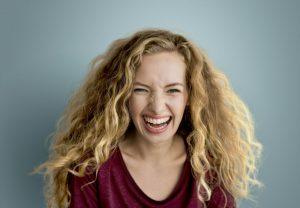 Hollywoodzki uśmiech – jak dbać o jamę ustną?