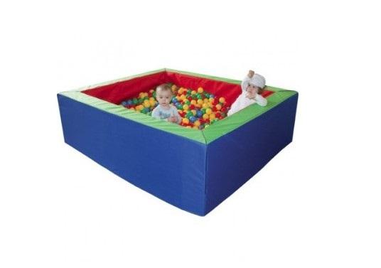 basen z piłeczkami